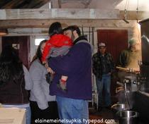 Family_enjoys_maple_syrup_making