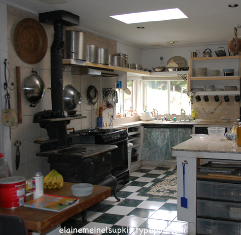 Kitchen_in_new_home