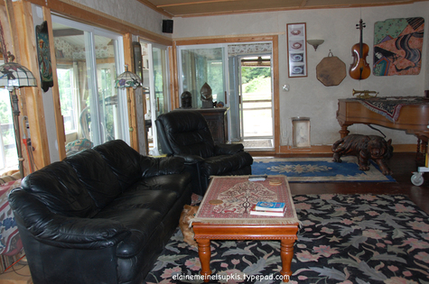 Livingroom_facing_west