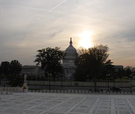Us_capitol_building_storm_sunset