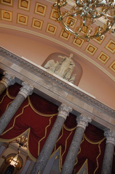 Libra_in_old_senate_building