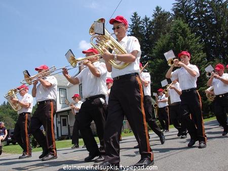 Berlin_ny_parade_brass_band